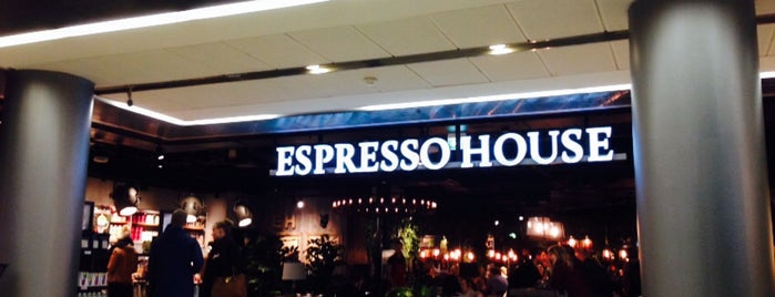 Espresso House is one of Orte, die Clarissa gefallen.