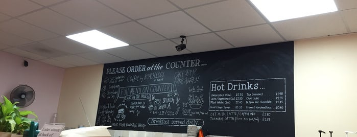 Crust & Crumb Café & Bakery is one of Rich'in Beğendiği Mekanlar.