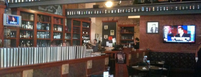 Library Restaurant and Brewery is one of Tempat yang Disukai Amy.