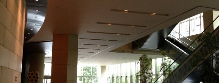 Grand Hyatt Tokyo is one of Orte, die Andrew gefallen.
