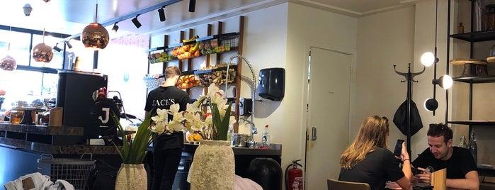 Jacks Juice & Kitchen is one of สถานที่ที่ Begüm ถูกใจ.