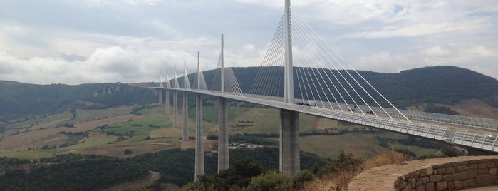 Aire du Viaduc de Millau - Brocuejouls is one of Nature.