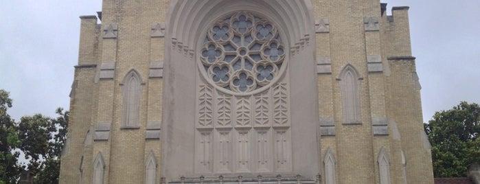 St. Thomas Aquinas Catholic Church is one of Posti che sono piaciuti a Adri.