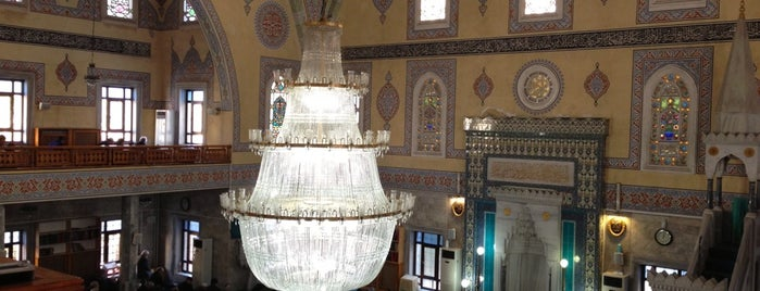Mecidiyeköy Merkez Camii is one of Mujdatさんのお気に入りスポット.