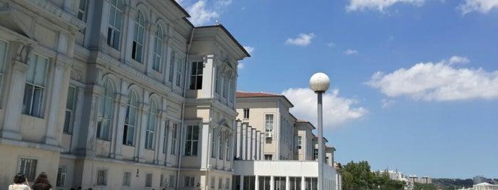Mimar Sinan Güzel Sanatlar Üniversitesi is one of eglence.