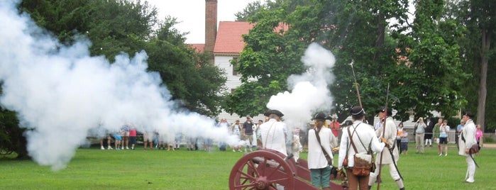 Colonial Williamsburg is one of Places to visit.