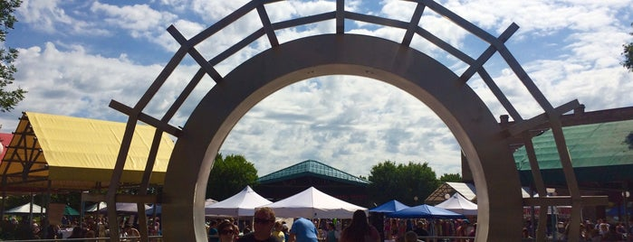 Town Square Farmers Market is one of Faith's Saved Places.
