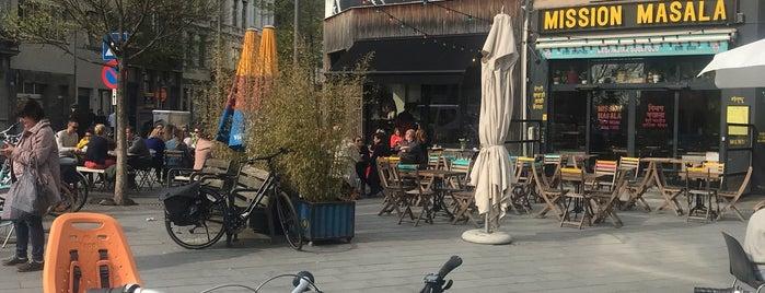 Café Plastron is one of Lieux sauvegardés par Henri.