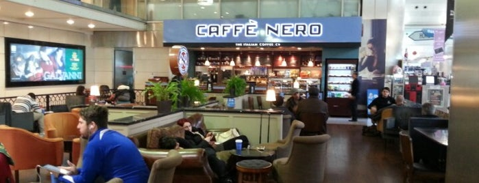 Caffè Nero is one of Çağlar 님이 좋아한 장소.