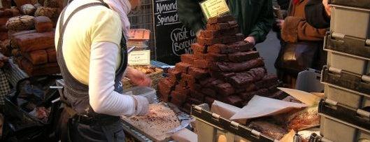 Borough Market is one of Locais salvos de Lina.