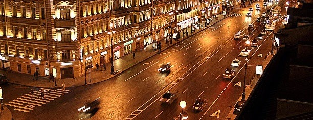 Nevsky Prospect is one of Locais curtidos por Andy.