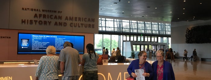Visitor Center National Museum Of African American History & Culture is one of Orte, die Derrick gefallen.