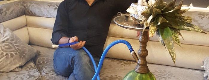 Al Fakheer Shisha Lounge is one of Tempat yang Disukai Mehmet.