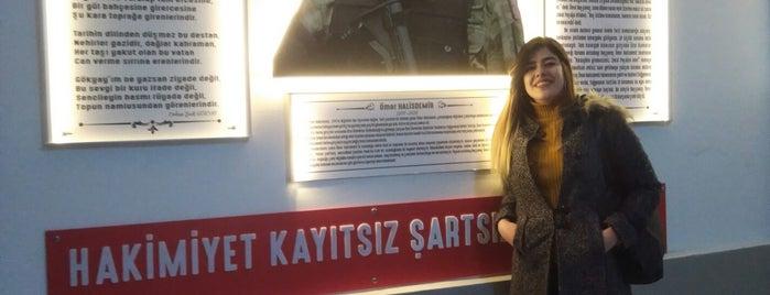 Göztepe Mesleki ve Teknik Anadolu Lisesi is one of Tuba 님이 좋아한 장소.