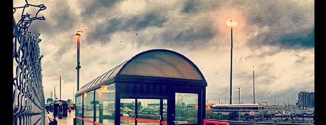 Bramalea GO Station is one of Tempat yang Disukai Katie.