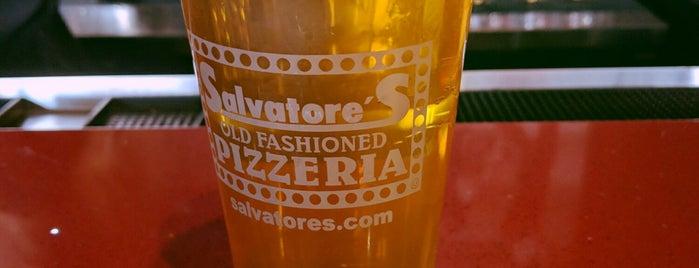 Salvatore's Old Fashioned Pizzeria is one of สถานที่ที่ Natalie ถูกใจ.