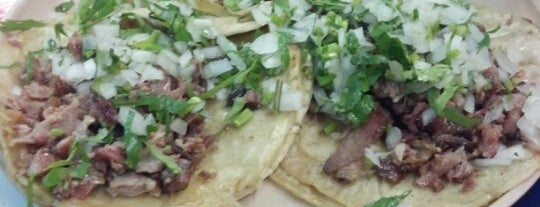 Tacos El Urge is one of Lugares favoritos de Jorge.