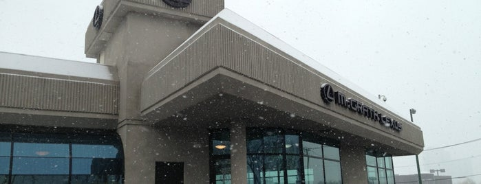 McGrath Lexus Of Chicago is one of Seanさんのお気に入りスポット.