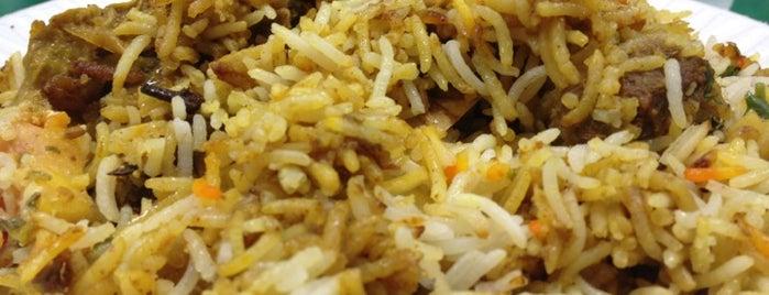 Joy Curry & Tandoor Indian Restaurant is one of Orte, die Sandra gefallen.