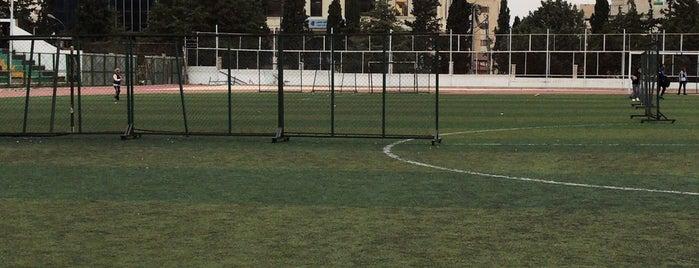 Stadium Yarmouk is one of สถานที่ที่ Alan ถูกใจ.