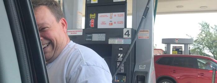 Kroger Fuel Center is one of Jeff'in Beğendiği Mekanlar.