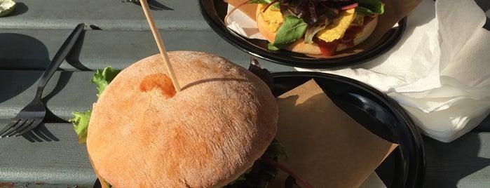 Beat'n'Burger is one of Tempat yang Disimpan Michael.