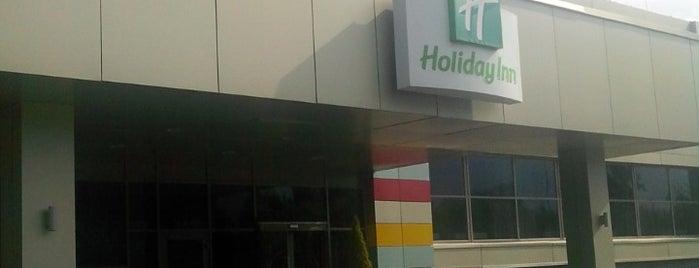 Holiday Inn is one of Posti che sono piaciuti a AE.