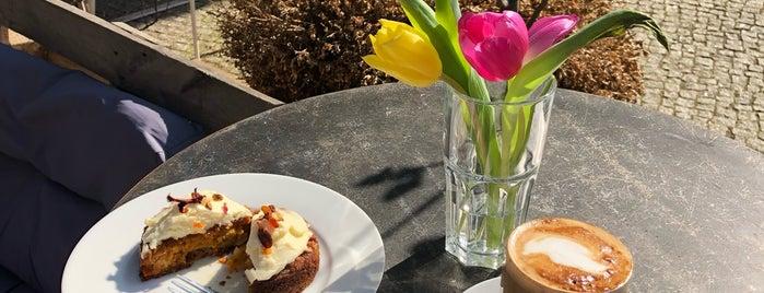 Café Gut Gezogen is one of Posti che sono piaciuti a Liam.