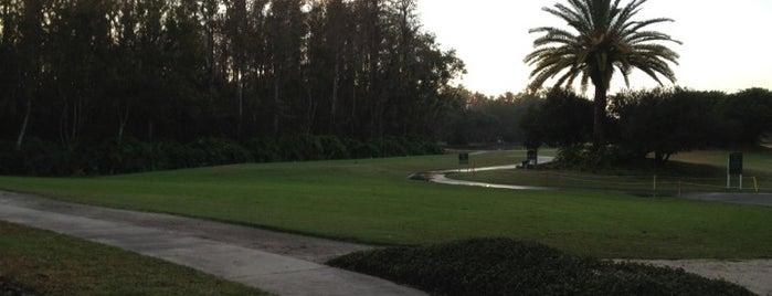 Crescent Oaks Golf Club is one of Helene'nin Beğendiği Mekanlar.