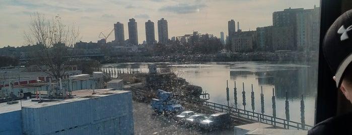 Harlem River is one of Tempat yang Disukai Kevin.