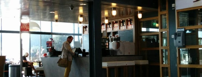Illy Espresso Bar is one of The Hague.