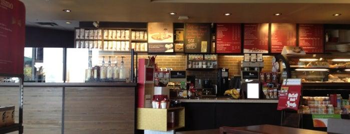 Starbucks is one of Lugares guardados de Tim.