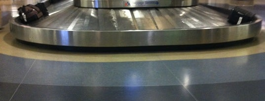 Baggage Claim - T4 is one of Lieux qui ont plu à Alberto J S.