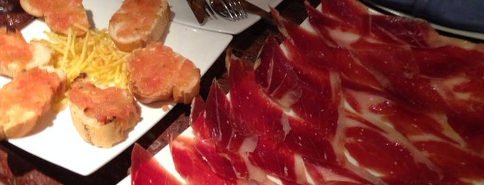 El Hórreo Asturiano is one of Madrid - Restaurantes.