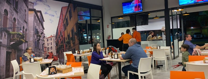 Mi Barrio Taqueria is one of Arlette 님이 좋아한 장소.