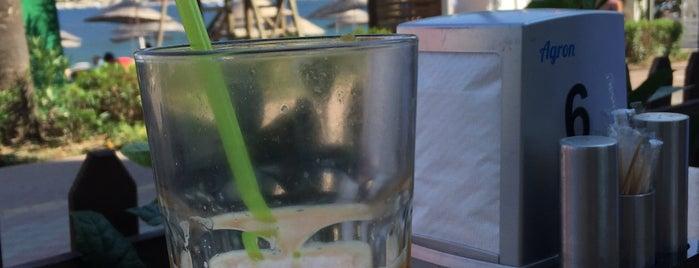 Palmiye Beach Café is one of gamze'nin Beğendiği Mekanlar.