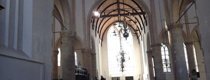 Grote Kerk is one of Orte, die Karel gefallen.