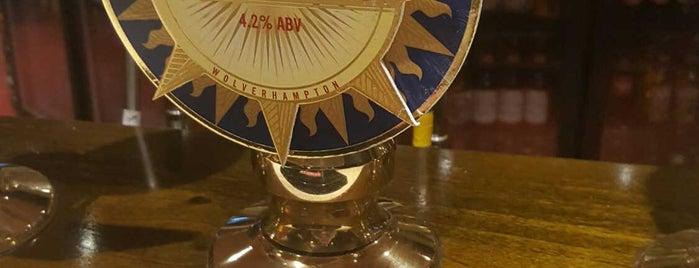 Attleborough Arms is one of Locais curtidos por Carl.