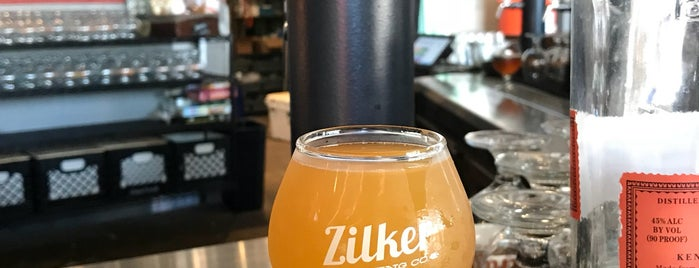 Zilker Brewing Co. is one of Lugares favoritos de Kristen.