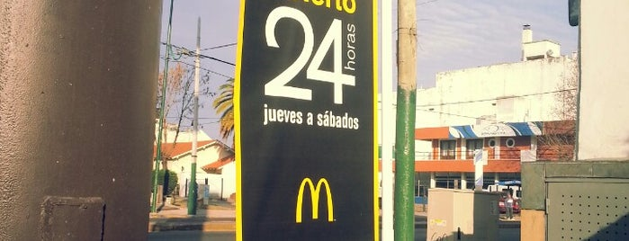 McDonald's is one of Orte, die Nicolás gefallen.