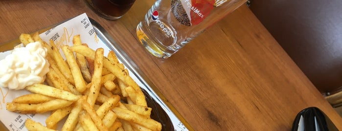 Vintage Burger is one of Orte, die Esra gefallen.
