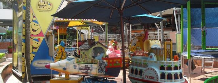 Happy City Cosmocentro is one of Tempat yang Disimpan Parque Happy City.
