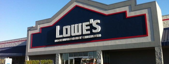 Lowe's is one of Jenni 님이 좋아한 장소.