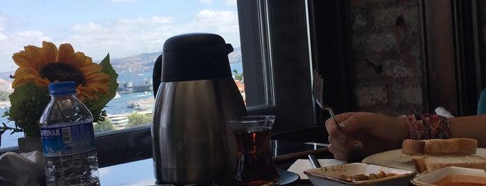 Seyr-i istanbul haliç cafe is one of Istanbul Shisha.