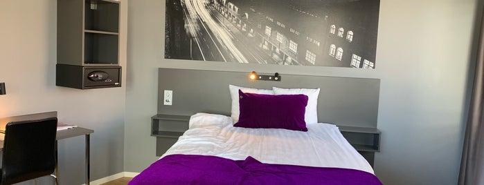 Connect Hotel Kista is one of Tempat yang Disukai Mert.