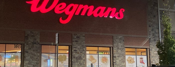 Wegmans is one of Lugares favoritos de Montaign.