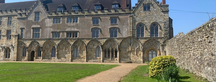 Battle Abbey is one of Locais curtidos por Carl.