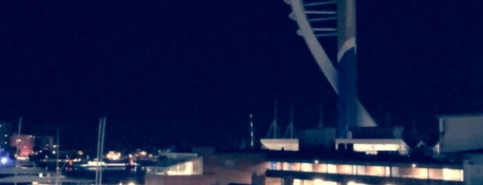 Portsmouth is one of สถานที่ที่ Paul ถูกใจ.