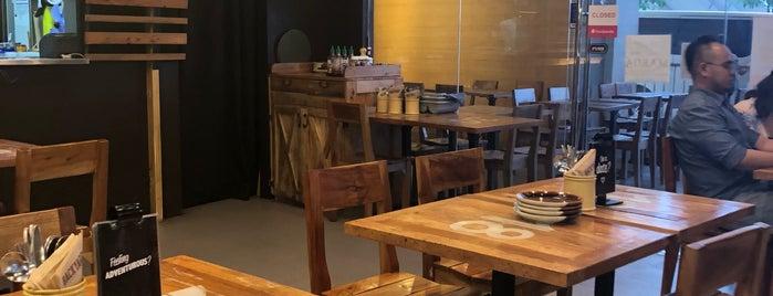 Backyard Kitchen + Brew is one of Lieux qui ont plu à Shank.
