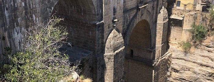 Ronda is one of Pueblos medievales.